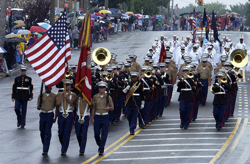 800px-US_Navy_040531-N-6371Q-223_Marines_and_Sailors_march_in_the_Little_Neck_Memorial_Day_Parade_in_Queens_N.Y._during_the_17th_Annual_Fleet_Week_2004
